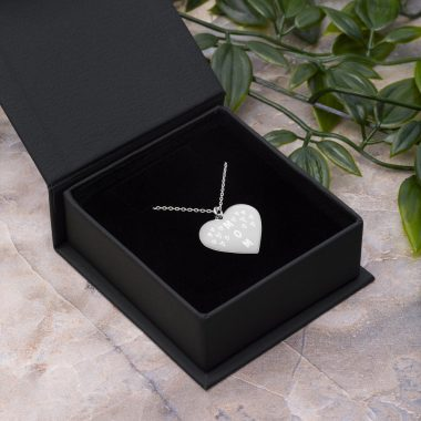 engraved silver heart chain necklace white rhodium coating lifestyle 607c575ee77b9